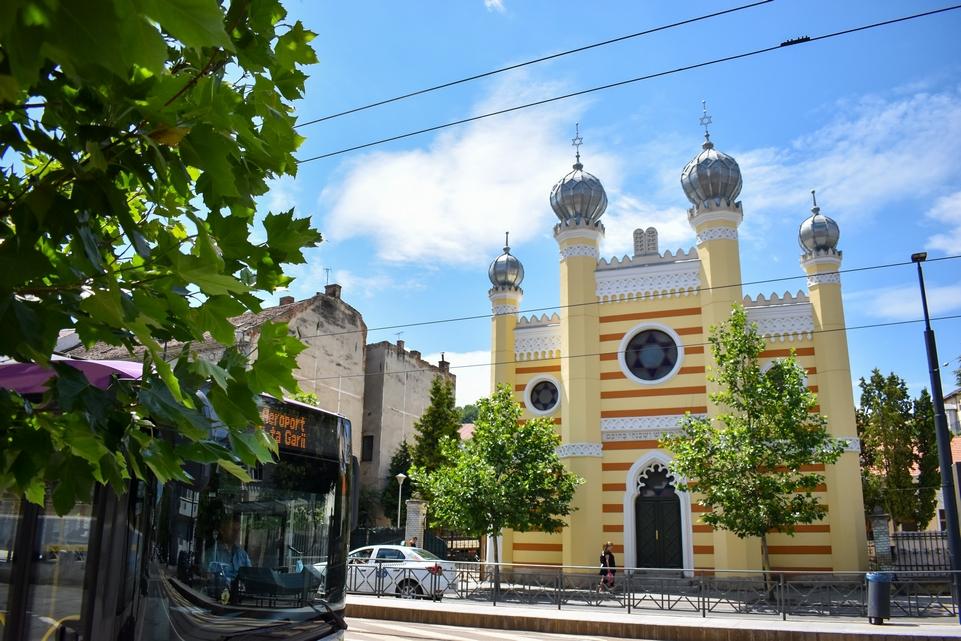 Közelebb vinnék a zsidó kultúrát a város lakosságához: megnéztük a felújítás alatt lévő kolozsvári zsinagógát