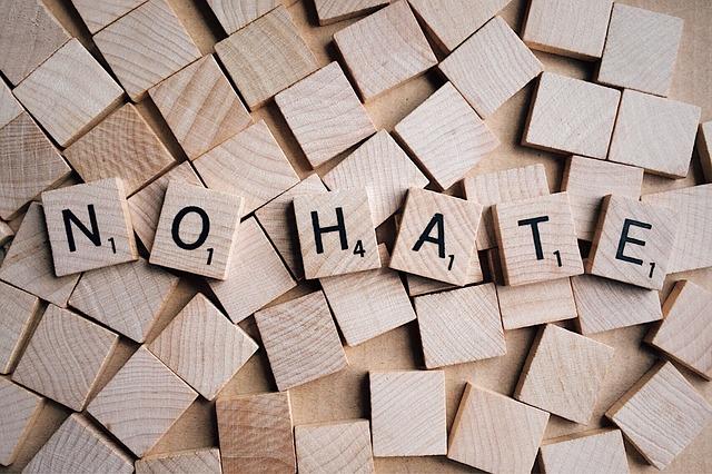 Létrejött a romániai stratégia az antiszemitizmus, az idegengyűlölet, a radikalizálódás és a gyűlöletbeszéd leküzdésére