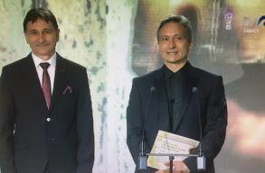 Uniter-díjat kapott Bogdán Zsolt