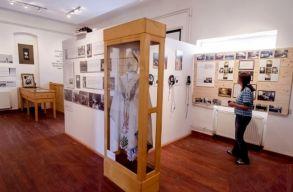 Felavatták a megújult Márton Áron-múzeumot Csíkszentdomokoson