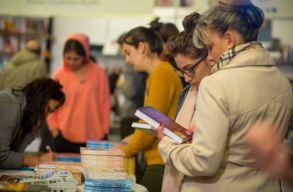 Elkezdõdött a jegyárusítás a marosvásárhelyi könyvvásár programjaira