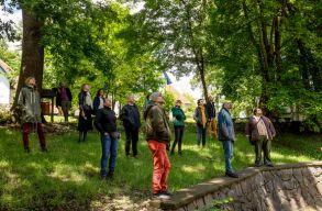 A sepsiszentgyörgyi Múzeumkertben tart szabadtéri elõadásokat a Tamási Áron Színház
