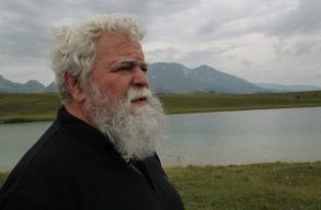 Szederkényi Miklós kapja idén a Sárga Csikó Díjat