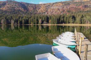 Mitõl lett zöld a Szent Anna-tó vize?