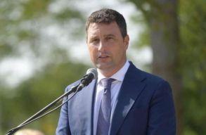 Tánczos Barna: Több tíz millió facsemetét ültetünk el idén Romániában
