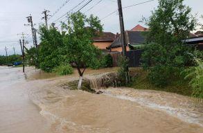 Vasárnap éjfélig elsõ- és másodfokú árvízkészültség