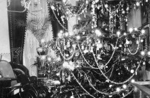 Száz év karácsonya: kiállításhoz gyûjtenek kolozsvári családi fotókat