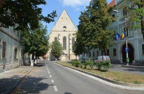 Kálvin János nevét veheti fel a Farkas utcai református templom elõtti tér