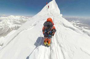 Hátat fordítanak Nepálnak a Mount Everest megmászói?
