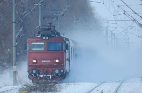 Kisiklott a Máramarossziget és Kolozsvár között közlekedõ személyvonat egyik vagonja
