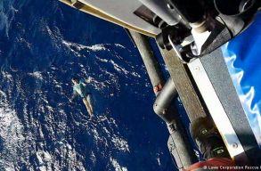 Felfújt farmernadrágja mentette meg az életét egy német hajótöröttnek a Csendes-óceánon