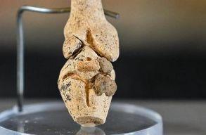 A csiszolatlan kõkorszakból származó Vénusz-szobrot találtak Franciaországban