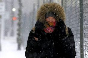 Az ország több megyéjében áramkimaradásokat, útlezárásokat és tanítási szünetet idézett elõ a téli idõjárás