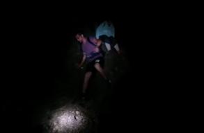 Felkergette a medve egy sziklára a turistákat a Bucsecs-hegységben, szerencsére tudták, hogy mit kell tenniük