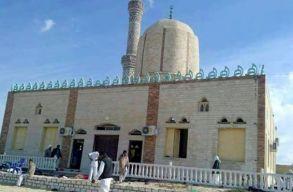 Brutális támadás történt egy egyiptomi mecsetben