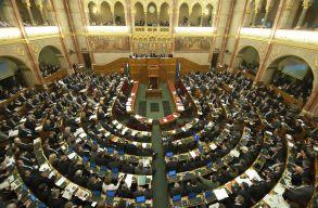 Áder János kitûzte a magyarországi országgyûlési választások idõpontját