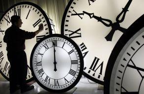 Felülvizsgálja az EP, hogy szükséges-e az évente kétszeri óraátállítás