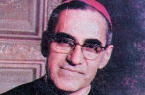 Szentté avatják Óscar Romerót, a szegények mártír püspökét