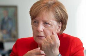 Merkel: biztonsági tanácsra, kisebb létszámú bizottságra és transznacionális választási listákra is szükség van az EU-ban