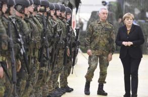 Merkel szerint el kell gondolkodni egy európai hadsereg létrehozásán