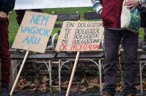 Székesfehérváron tüntetnek a ,,rabszolgatörvény