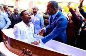 Dél-afrikai temetkezési vállalatok jelentettek fel egy lelkipásztort, mert szerintük az elcsalt egy feltámasztást