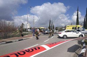 Egy ember meghalt, többen súlyosan megsebesültek egy ciszjordániai fegyveres merényletben