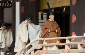 Távozott a Krizantém trónról a japán császár