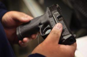 A floridai tanárok ezentúl tarthatnak maguknál fegyvert az iskolákban