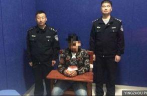 """Tíz napra börtönbe zártak egy kínai férfit, miután az """"illegális neveket"""" adott a kutyáinak"""