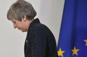Források: már pénteken bejelentheti távozását Theresa May