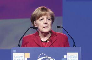 Merkel: kívülrõl és belülrõl is támadják az EU alapértékeit
