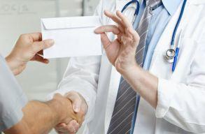 Vesztegetés elfogadása miatt vizsgálódnak egy kolozsvári orvos ellen
