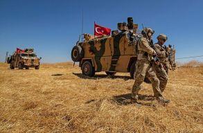 Egy ideig szüneteltetik a támadásokat a törökök Szíriában