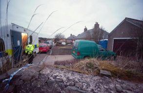 Harminckilenc holttestet találtak egy kamionban Angliában