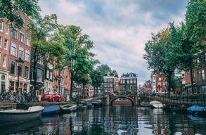 Légbuborékgáttal gyûjtik össze a mûanyaghulladékot Amszterdam csatornáiból