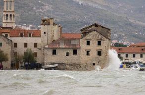 Óriási vihar volt a horvát tengerparton, városokat öntött el a víz