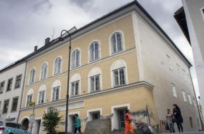 Hitler szülõházát rendõrõrssé alakítják át