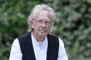 Újabb országok bojkottálják a Nobel-díjátadót Peter Handke kitüntetése miatt