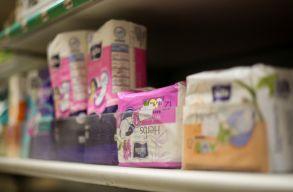 Skócia lehet a világ elsõ országa, ahol ingyenes menstruációs termékeket biztosítanának a rászorulóknak