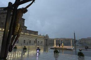 """Az üres Szent Péter téren beszélt Ferenc pápa: """"azt gondoltuk, örökre egészségesek maradunk a beteg világban"""""""