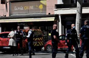 Késeléses támadás történt egy francia kisvárosban, ketten meghaltak