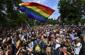 Elfogadta a nemváltás jogi elismerését tiltó törvénytervezetet a magyar országgyûlés