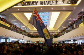 Peking burkoltan megfenyegette Londont, amiért brit állampolgárságot adnának az arra jogosult hongkongiaknak