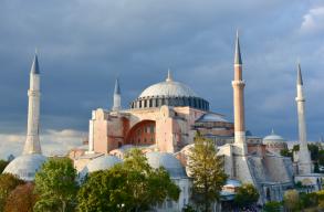 Ismét mecsetté alakítják át a Hagia Sophiát