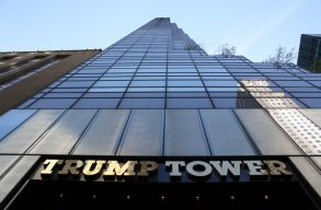 A Trump Tower elé festették fel a Black Lives Matter feliratot New Yorkban