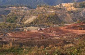Törvényt hoznának létre, hogy természetvédelmi területekrõl is lehessen ásványi anyagokat kiaknázni