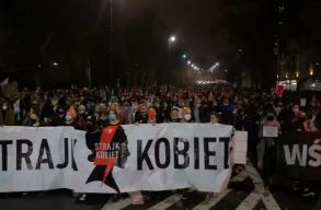 Hajlik rá a lengyel államfõ, hogy minimálisan enyhítsen az abortusztörvényen