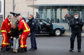 Szándékosan Angela Merkel kapujának hajtott egy férfi Berlinben