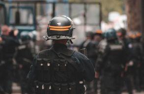 Izraelben összecsaptak az ultraortodoxok a zárlat betartását ellenõrzõ rendõrökkel